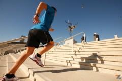 Упражнение для ног - бег по лестнице