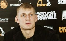 Александр Волков проиграл Тони Джонсону на Bellator 136