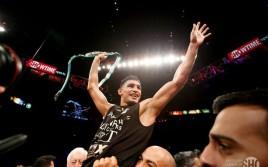 Амир Хан победил Криса Алгиери