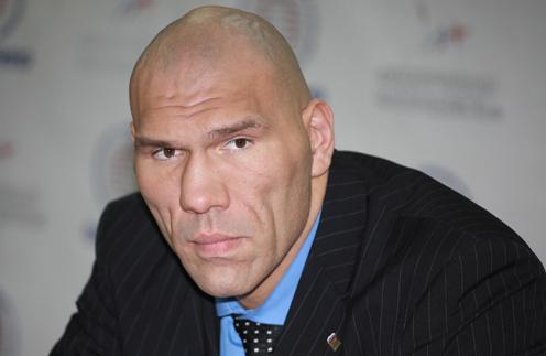 Николай Валуев тоже играл в покер