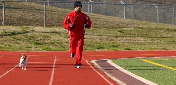 Мэнни Пакьяо на утренней пробежке со своей собакой