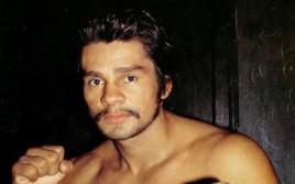 Роберто Дюран: Альварес — новая звезда бокса, он побьет Котто