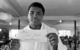 Сегодня ушел из жизни легендарный Мухаммед Али