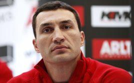 Менеджер Кличко: Владимир получил травму, бой будет перенесен