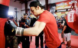 Гарсия: Чавес-младший способен побить Канело, нужно хорошо подготовиться