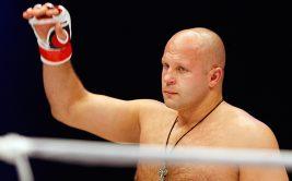 Президент Bellator Скотт Кокер заявил, что уже начал переговоры относительно следующего поединка российского тяжеловеса Федора Емельяненко, который должен состояться в конце года.