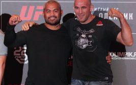 Смотреть онлайн UFC Fight Night 136. Прямая трансляция боя Алексей Олейник - Марк Хант