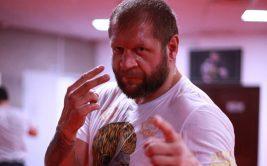 Александр Емельяненко бросил вызов Сергею Бадюку и Михаилу Кокляеву по отжиманиям