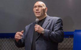 Николай Валуев оценил бой Александра Усика