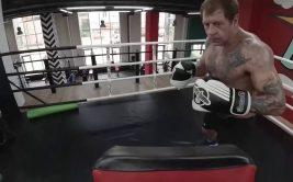 Александр Емельяненко в нокдауне в клубе Ахмат. Видео