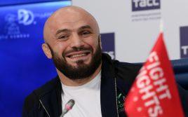 Магомед Исмаилов озвучил свой гонорар за реванш с Минеевым
