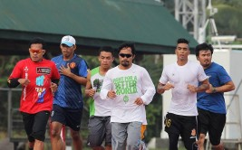 Manny-Pacquiao-jogging-oct-25