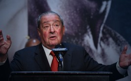 LAS VEGAS, NV - APRIL 29: Top Rank Founder and CEO Bob Arum speaks during a news conference for the unification fight between WBC/WBA welterweight champion Floyd Mayweather Jr. and WBO welterweight champion Manny Pacquiao at the KA Theatre at MGM Grand Hotel & Casino on April 29, 2015 in Las Vegas, Nevada. The two boxers will face each other on May 2, 2015 in Las Vegas.   Ethan Miller/Getty Images/AFP