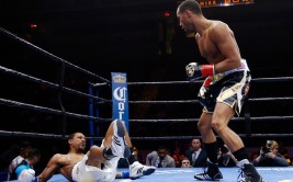 Boxing - Andre Dirrell v James DeGale IBF Super-Middleweight Title - Agganis Arena, Boston, United States of America - 23/5/15 James DeGale knocks down Andre Dirrell Mandatory Credit: Action Images / Andrew Couldridge Livepic EDITORIAL USE ONLY.